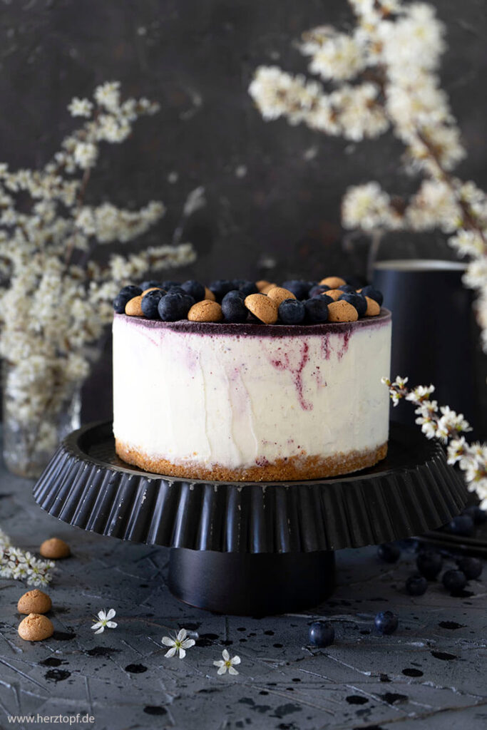Blueberry Cheesecake Eistorte